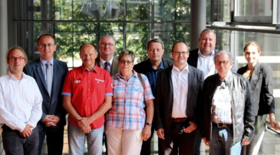 v.l.: Dr. Michael Schmiedel (SPD-LTF), Hans-Jürgen Freitag (Kreisvors. Meißen), Thomas Baum (MdL), Anita Kern (Kreisvors. Leipzig Nordsachsen), Andreas Becht (Clubbeauftragter), Matthias Knobloch (ACE-Hauptstadtbüro), Ilko Keßler (Kreisvors. Ostsachsen), Michael Brunner (Kreisvors. Dresden), Julia Collingro (ACE-Hauptstadtbüro)