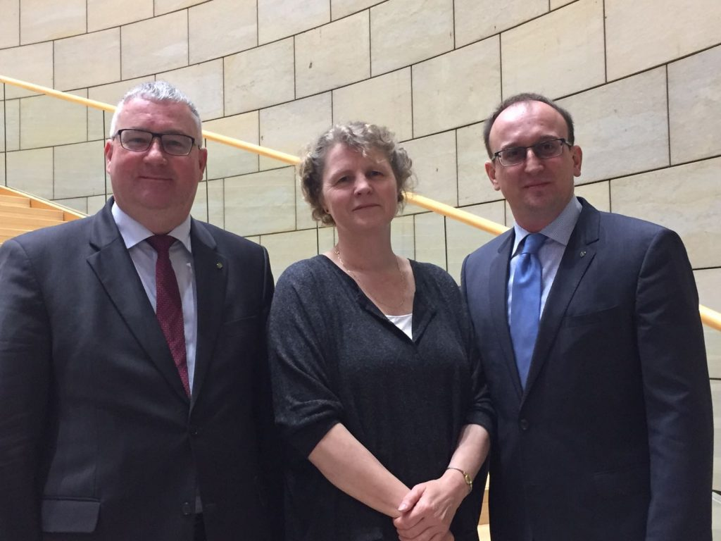 Jörg Vieweg mit seinen sächsischen Kollegen Thomas Baum und Iris Raether-Lordieck
