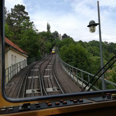 Fahrt mit der Standseilbahn nach Loschwitz